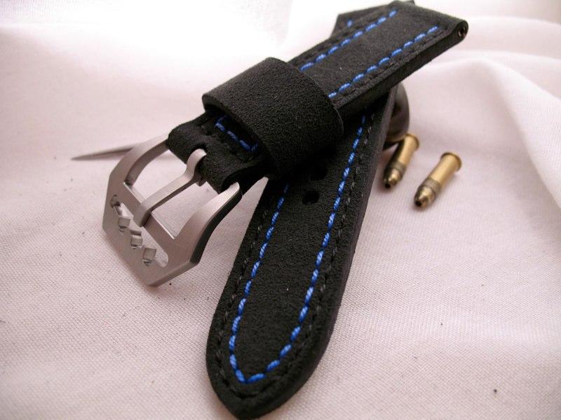 Single row black blue